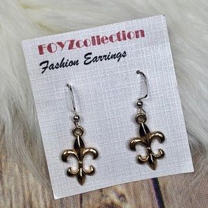 Jewelry - Gold Fleur De Lis Earrings ⚜️
